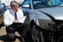 Versicherung und Autounfall