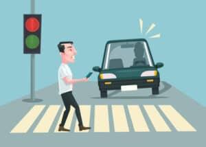 Das falsche Fahren an Fußgängerübergängen ist eine Gefährdung des Straßenverkehrs.